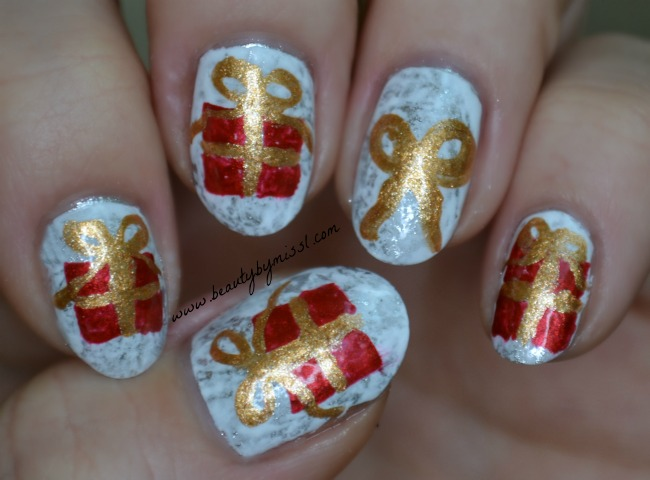 Christmas gifts nail art