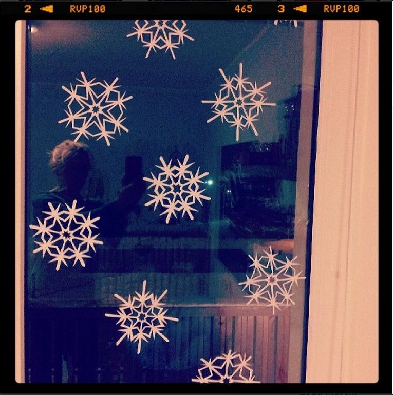 Simple DIY snowflake