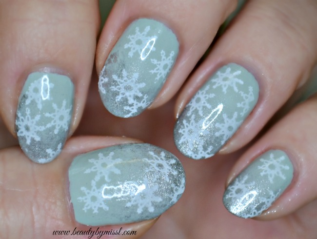 snowflake stamping nail art