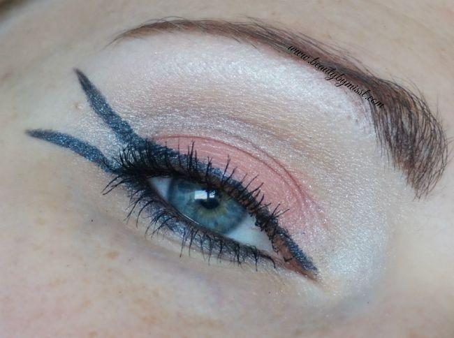 Essence How To Make Bright Eyes eyeshadow palette eye makeup look | www.beautybymissl.com @beautybymissl