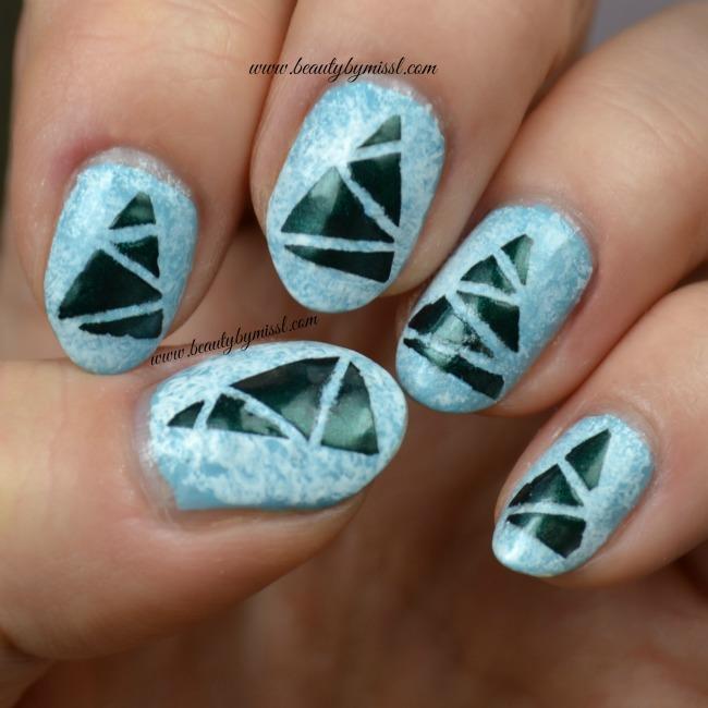#12DaysofChristmasNailArt: Christmas tree nail art