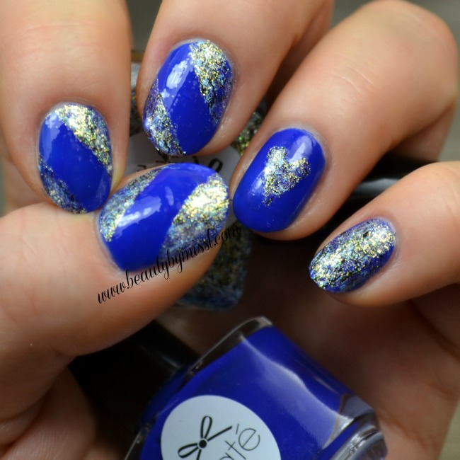 Blue glitter nails for the weekend