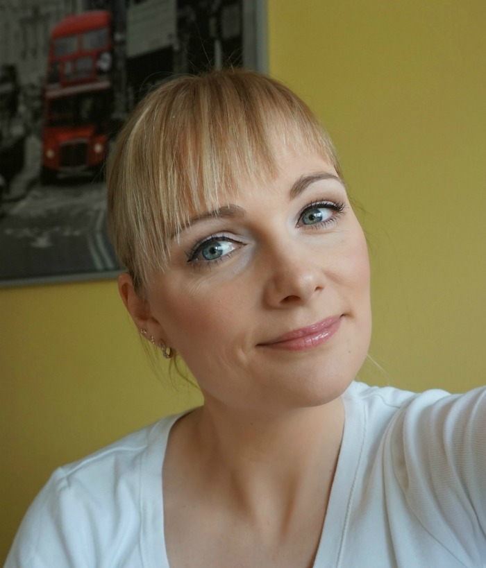 Simple Spring makeup with Avon products