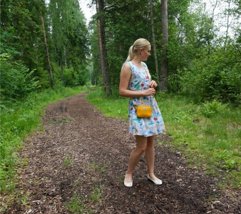 Summery Yumi dress and weekly fashion link up