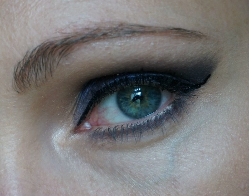 purple smoky eye with Too Faced Sugar Pop eye palette and Urban Decay Naked Smoky