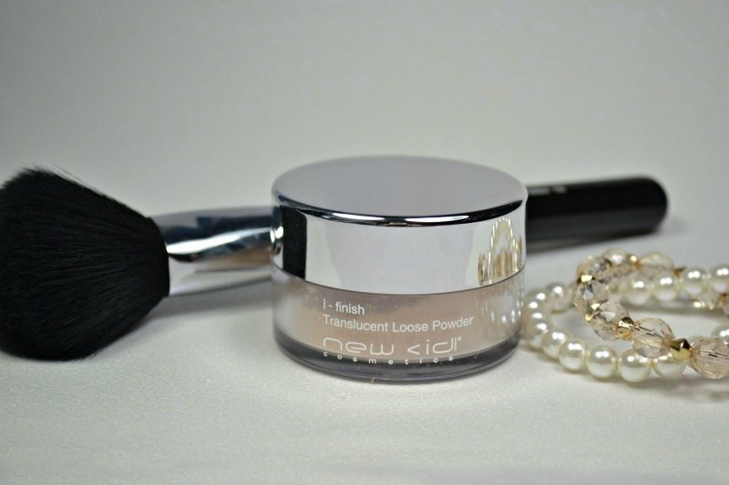 New CID Cosmetics i-Finish Translucent Loose Powder in Light review