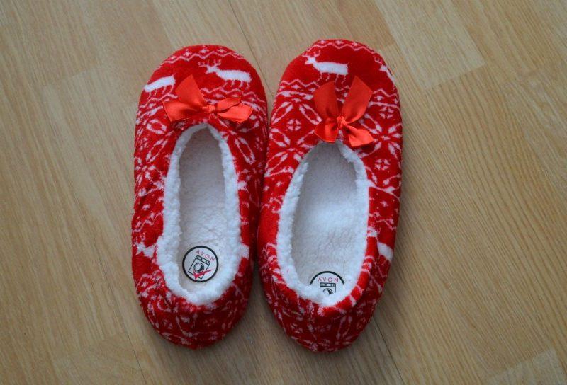 avon wonderland lipper socks