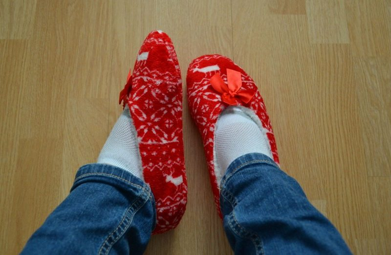 avon wonderland slipper socks sussid