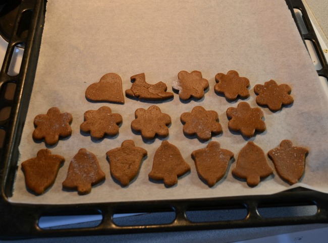 The Christmas Tag: making gingerbreads