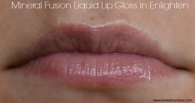 Mineral Fusion Liquid Lip Gloss Enlighten lip swatch