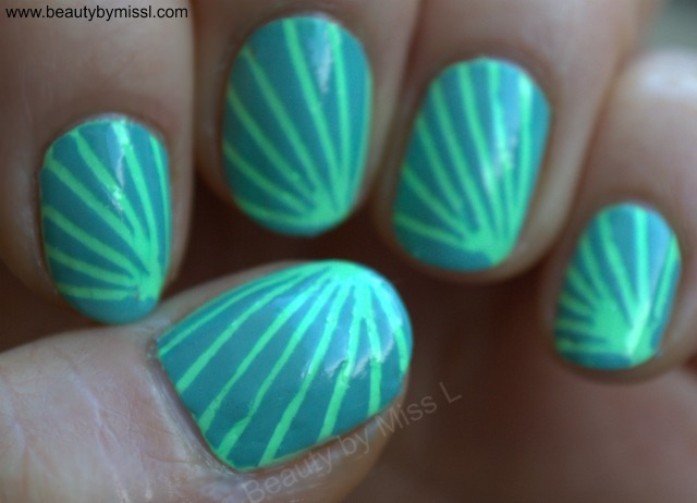 simple striped manicure