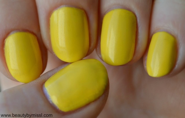 Avon Gel Finish nail polish in Limoncello
