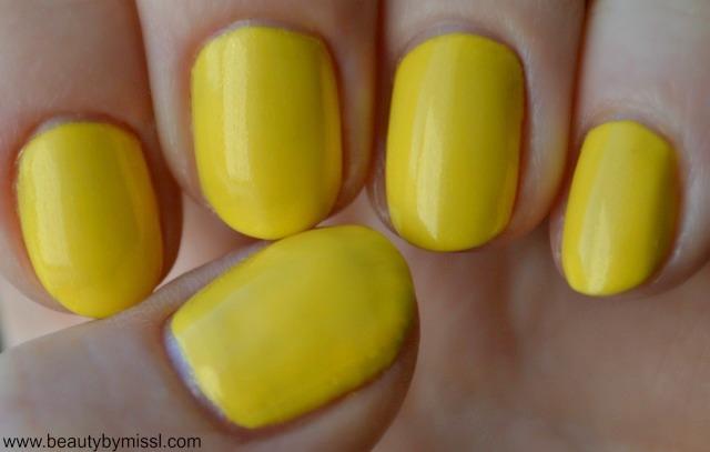 Avon Gel Finish nail polish in Limoncello