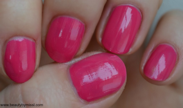 Avon Gel Finish nail polish in Parfait Pink