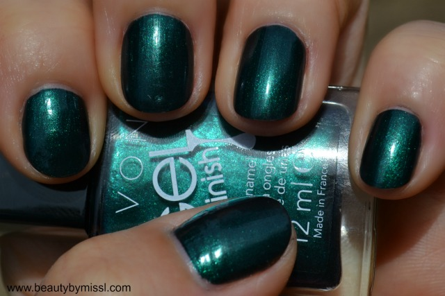 Avon Gel Finish nail polish in Envy swatches and review