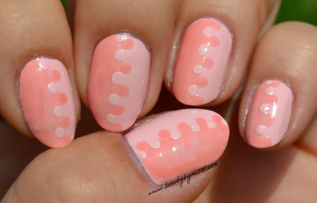 Interlock manicure with Avon Art Of Change nail polish