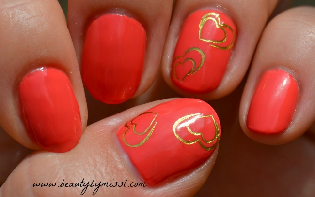 mani with hearts