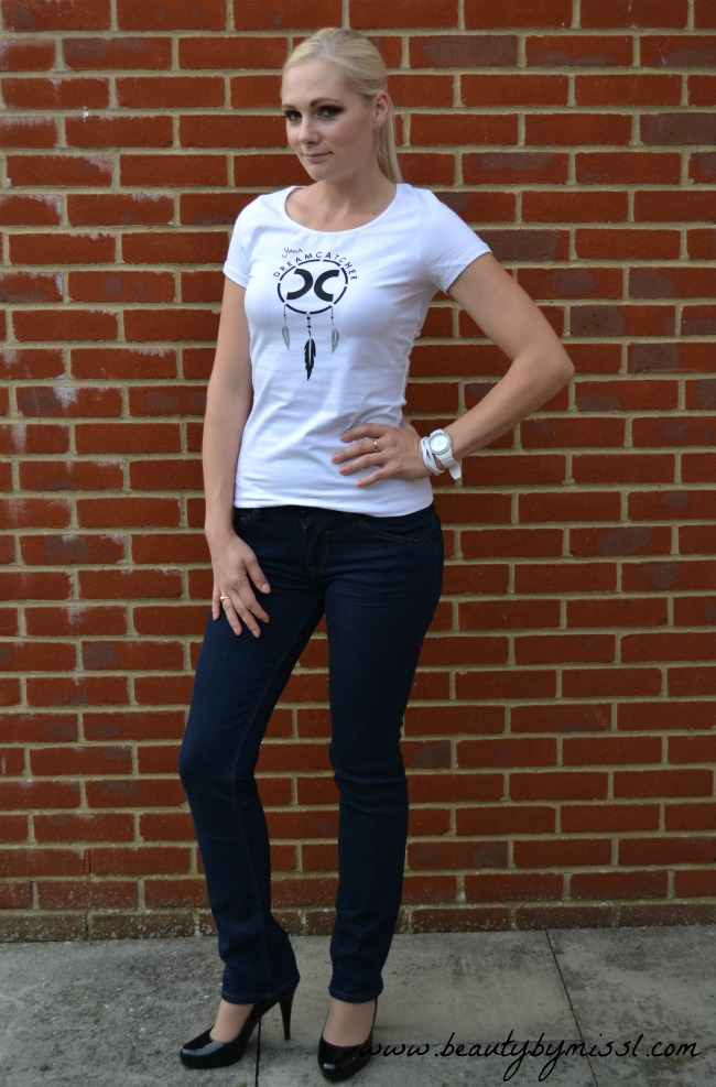 jeans, white top & heels