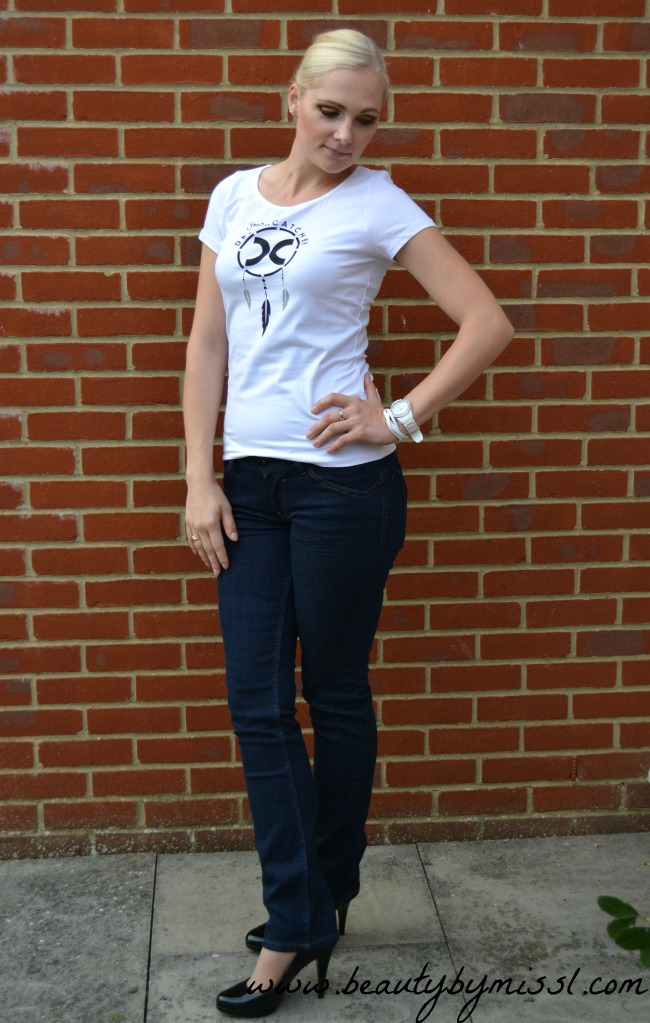 white tee, jeans & pumps