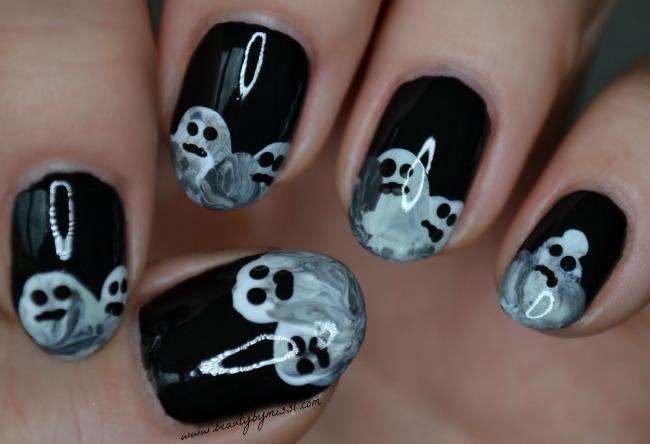 Halloween ghosts nail art