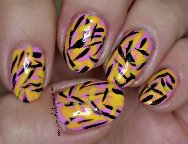 simple brush stroke nail art