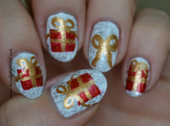 Christmas gifts nail art