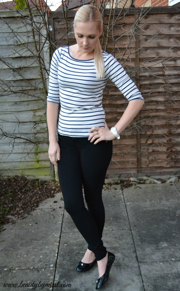 outfit black and stripes