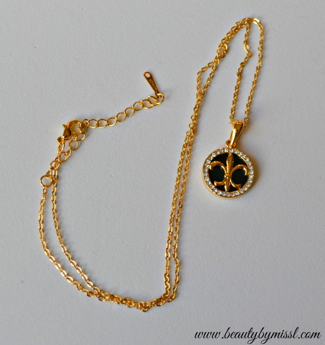 Gold and glaze necklace from Charmtoday