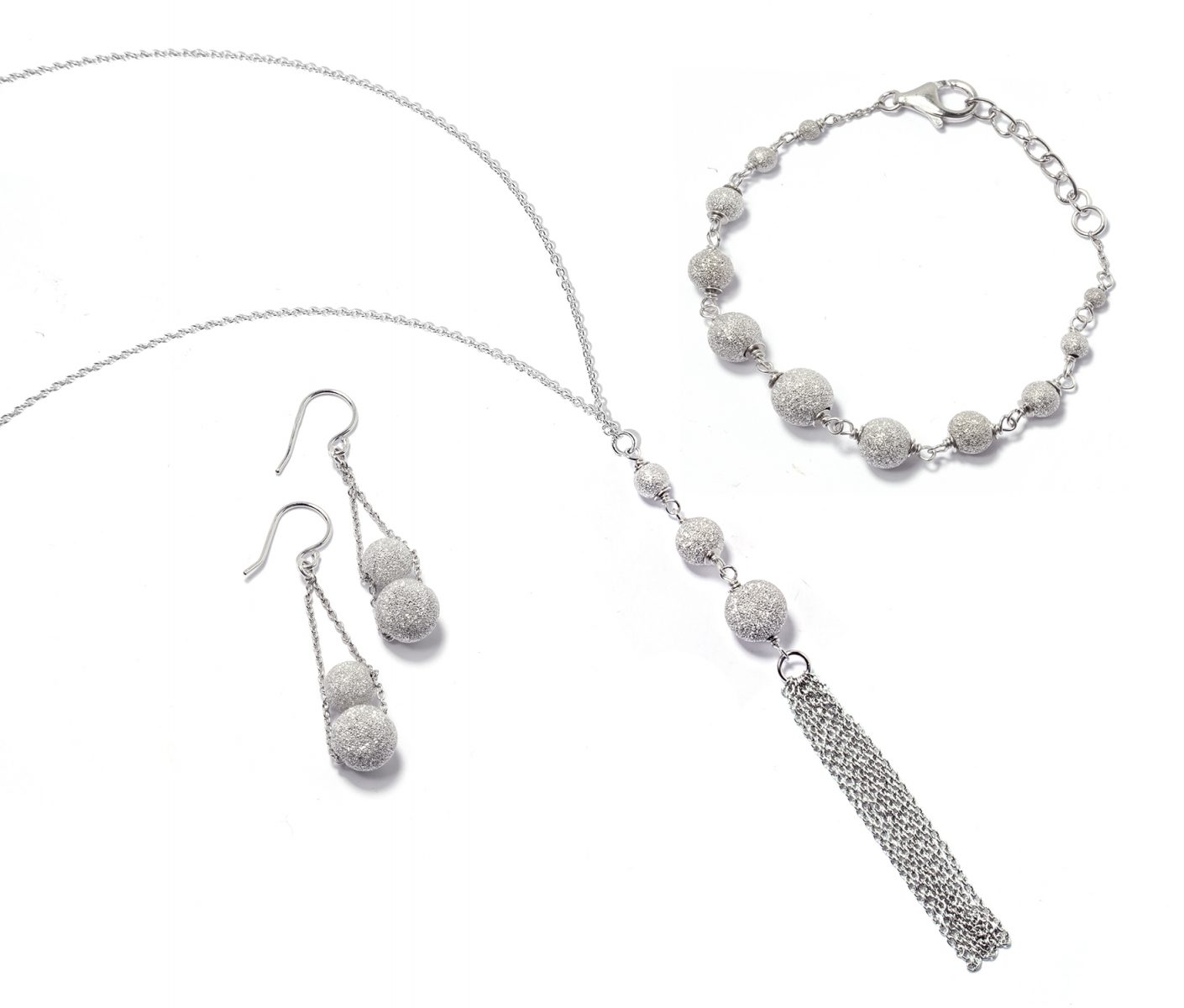 Auction for new silver jewellery fashion collection Lola