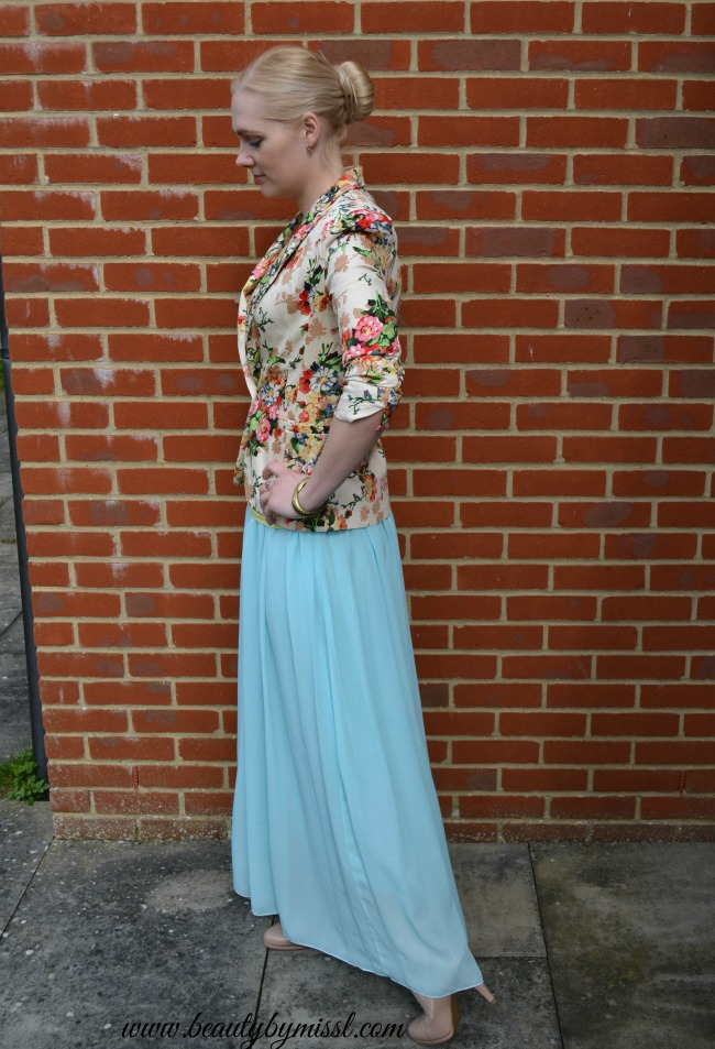 spring summer outfit light blue maxi skirt