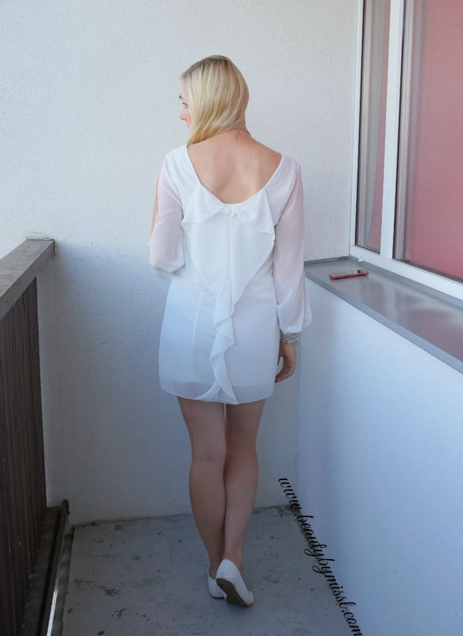 White SheIn mini dress with bow detail on back | www.beautybymissl.com