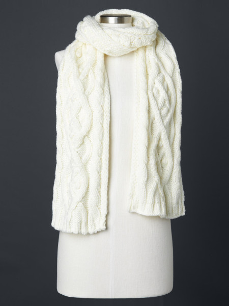 Fall Accessory must haves: cable knit scarf