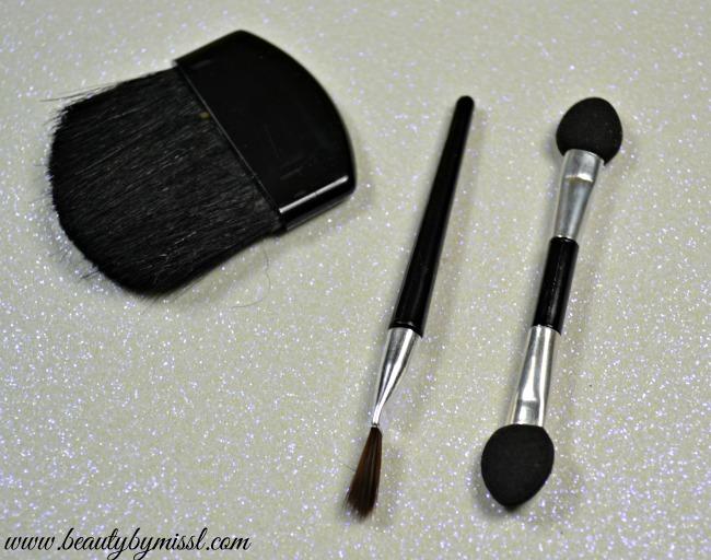 Mad Beauty blush brush, lip brush and applicator