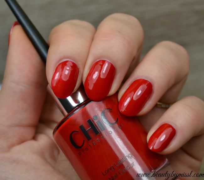Classic red Chic Professional Long Lasting nail colour