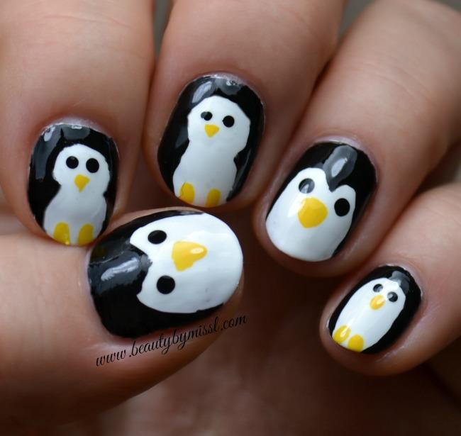 #12DaysOfChristmasNailArt: Penguin nail art