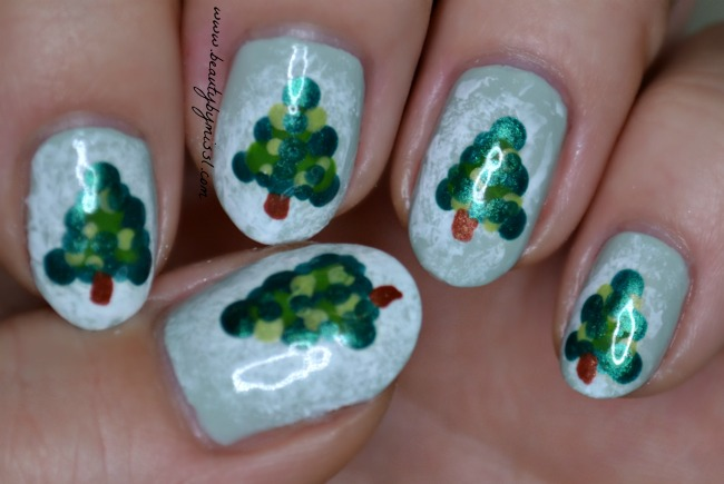 christmas trees nail art