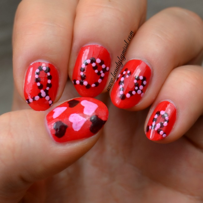 Valentine's Day manicure: love and hearts