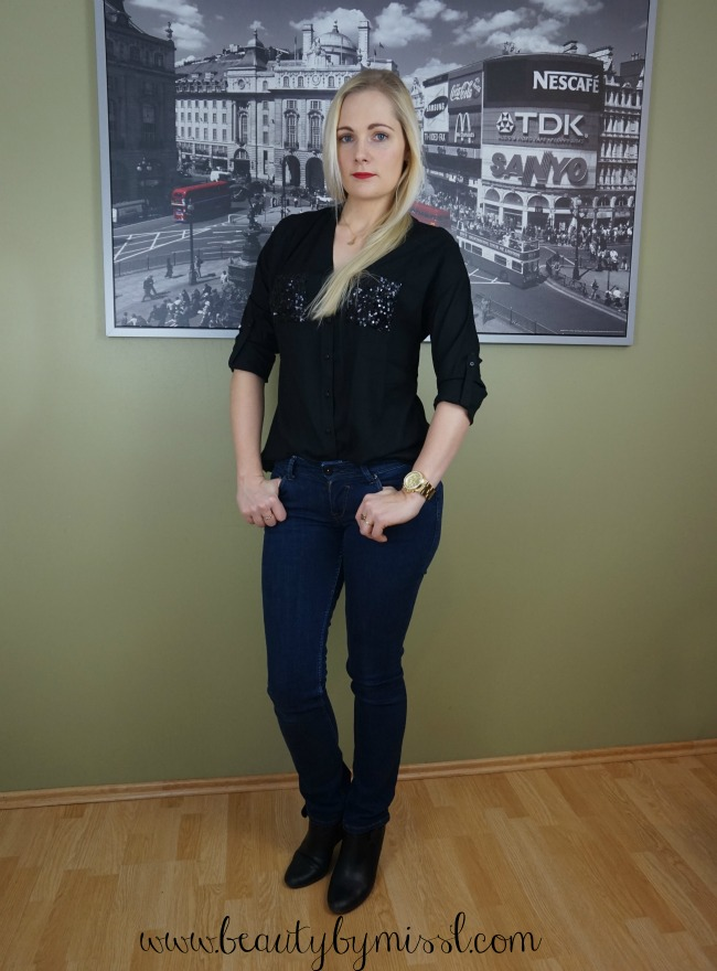 black and dark blue outfit