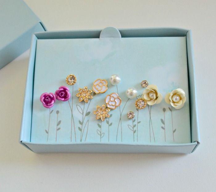 Avon Jasmine earring giftset