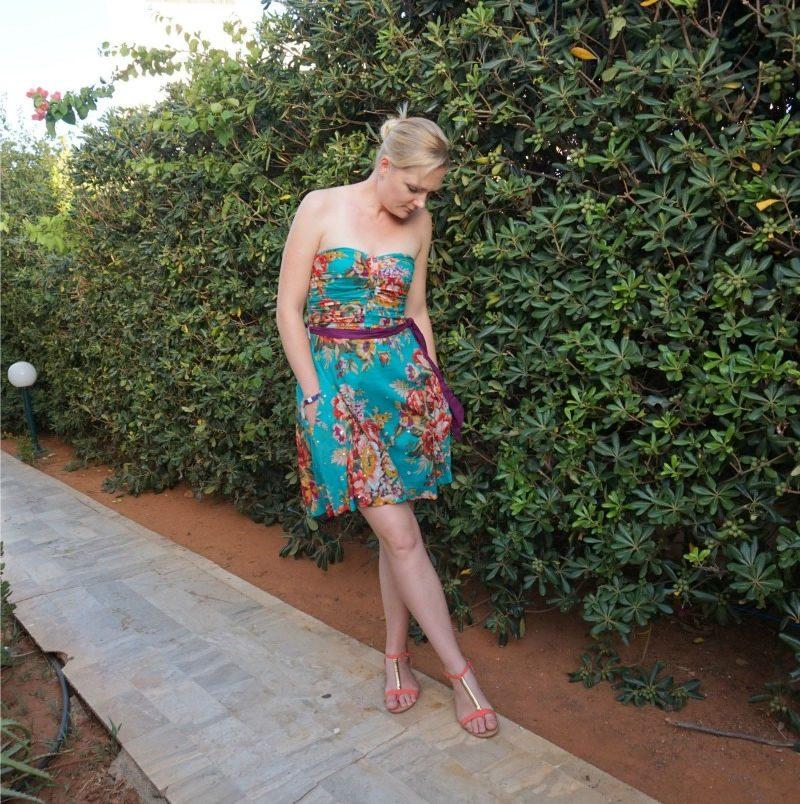 Eucalyptus '50s Floral Dress, coral sandals