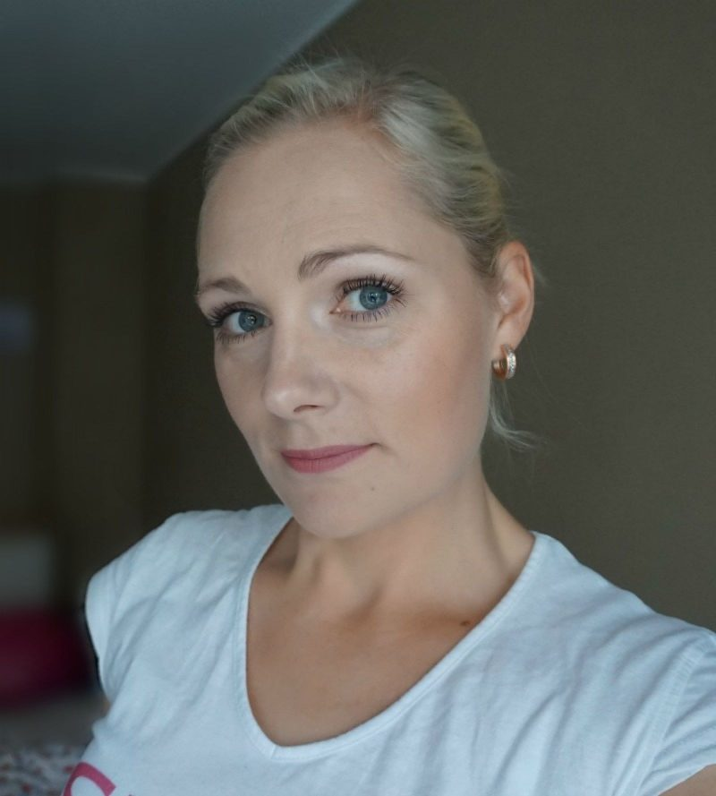 simple makeup look with new essence makeup products
