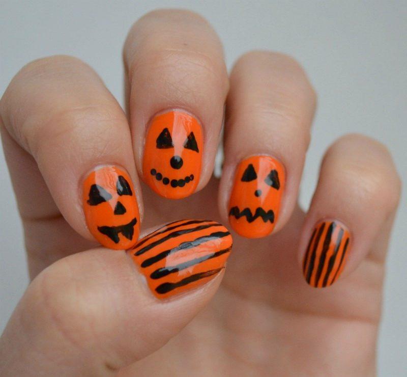 simple Halloween pumpkin nail art