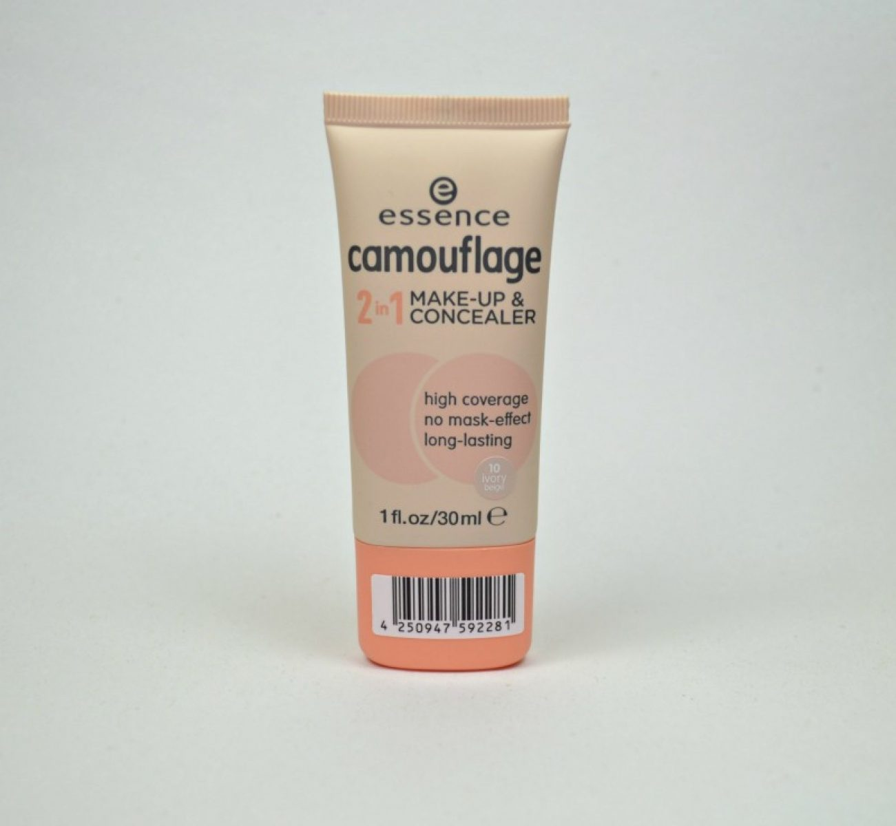 Essence Camouflage 2 in 1 Make-up & Concealer in shade 10 Ivory Beige
