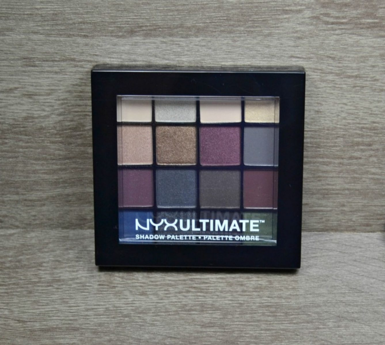 NYX Ultimate Shadow Palette – Smokey & Highlight