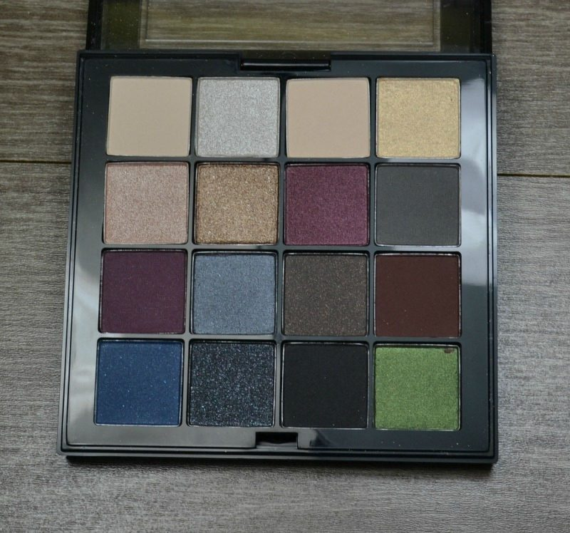NYX Ultimate Shadow Palette - Smokey & Highlight review and swatches