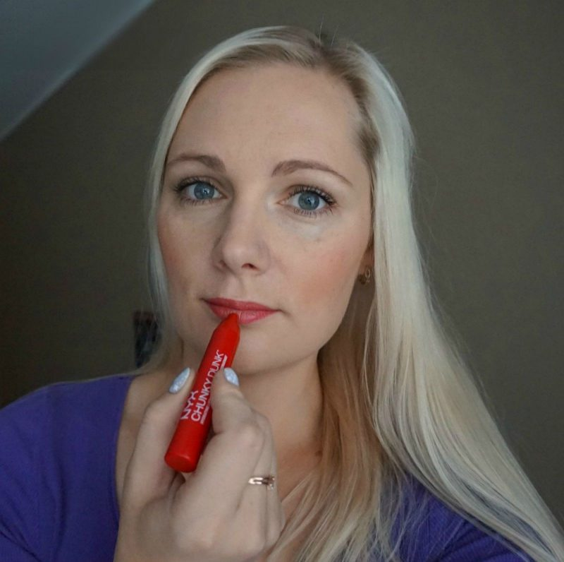 makeup look with NYX Chunky Dunk Hydrating Lippie - Cherry Smash