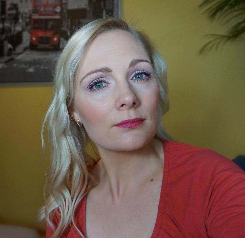 30s inspired makeup look