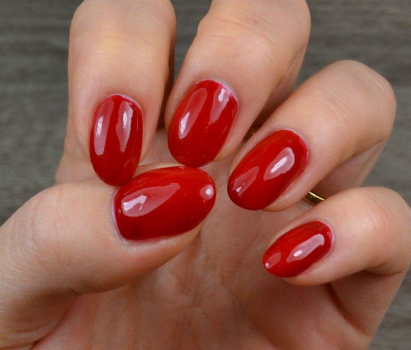 Essence The Gel nail polish - 16 Fame Fatal