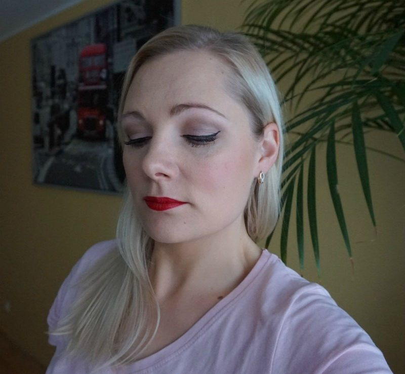 Avon True Colour Supreme Length Nourishing Mascara & Supreme Nourishing Lipstick makeup look