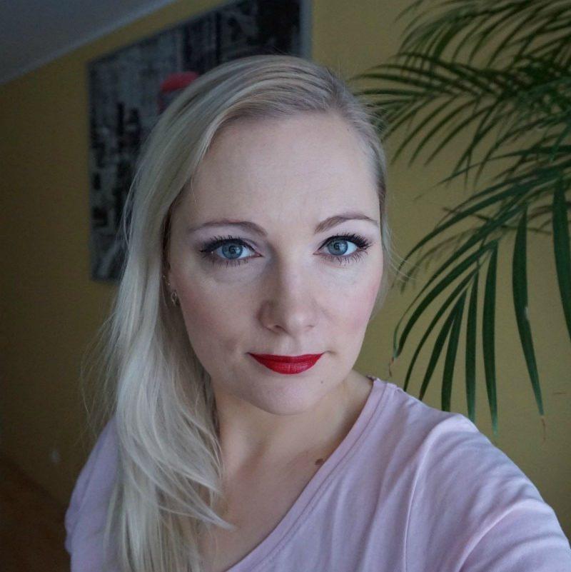 Avon True Colour Supreme Length Nourishing Mascara & Supreme Nourishing Lipstick